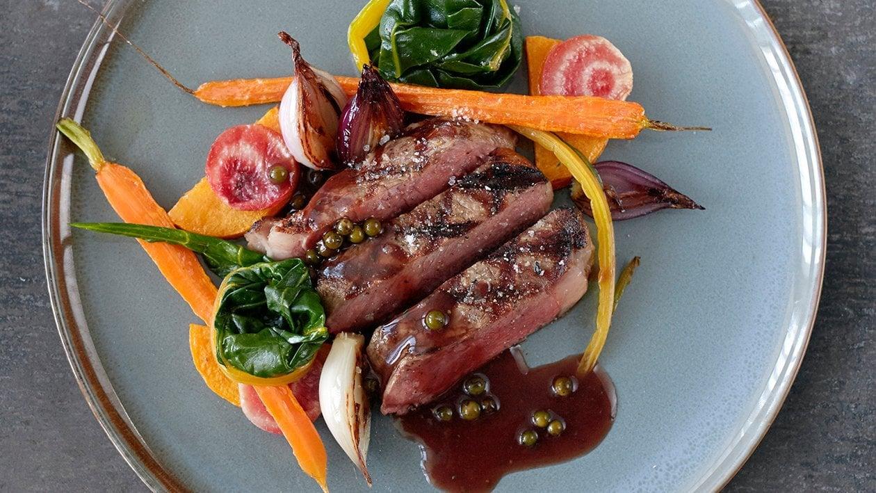 Roasted Rib Eye Steak with Green Pepper Sauce